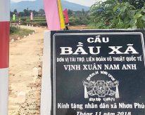 Liên Đoàn Võ Thuật Quốc Tế Vịnh Xuân Nam Anh kính tặng nhân dân xã Nhơn Phúc cầu Bầu Xã